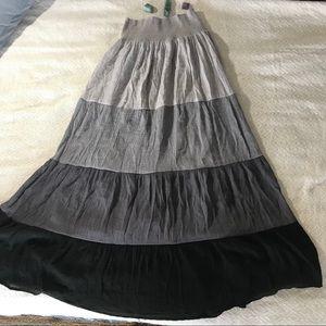 J Gee   boho black gray skirt L